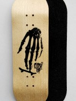 BOARD CLOSE UP SKULL HAND WOOD 31MM MEDIUM CONCAVE