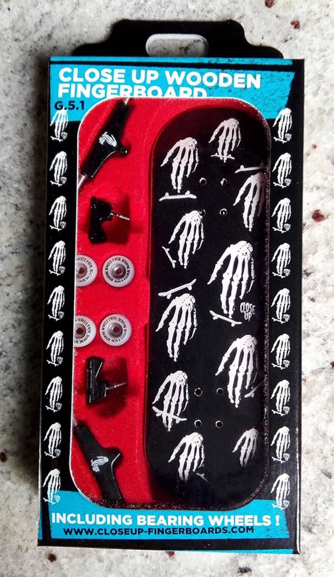complete-close-up-skull-hand-mozaic-set-31mm-medium-concave
