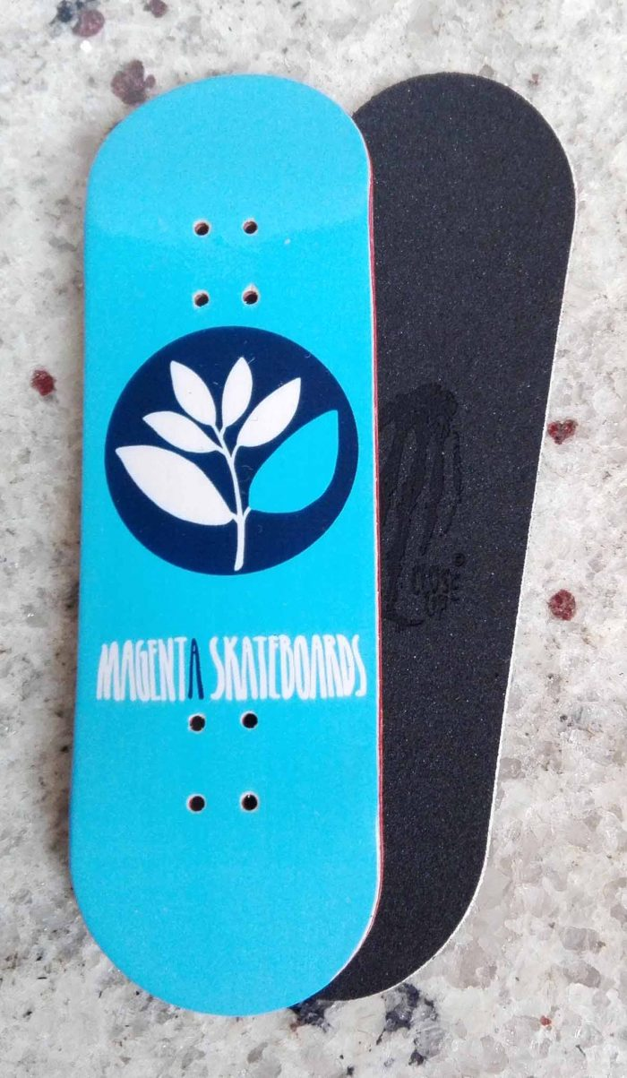 DECK MAGENTA LOGO LIGHT BLUE 31MM