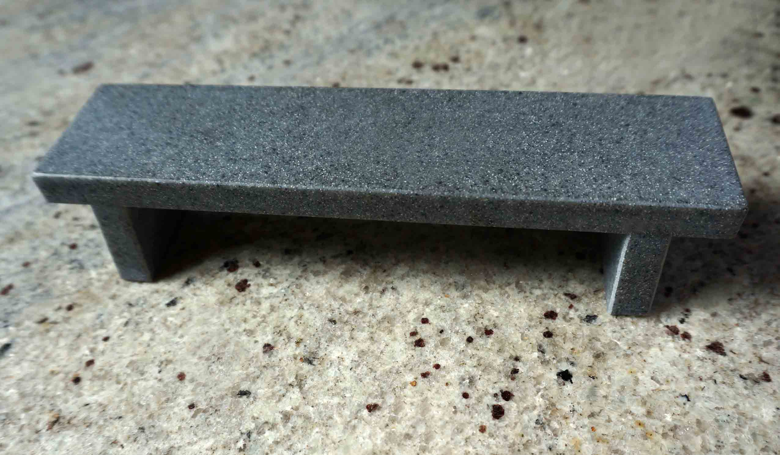 CLOSE UP FLAT BENCH GREY MODEL 14,50 € ($ 17,00)