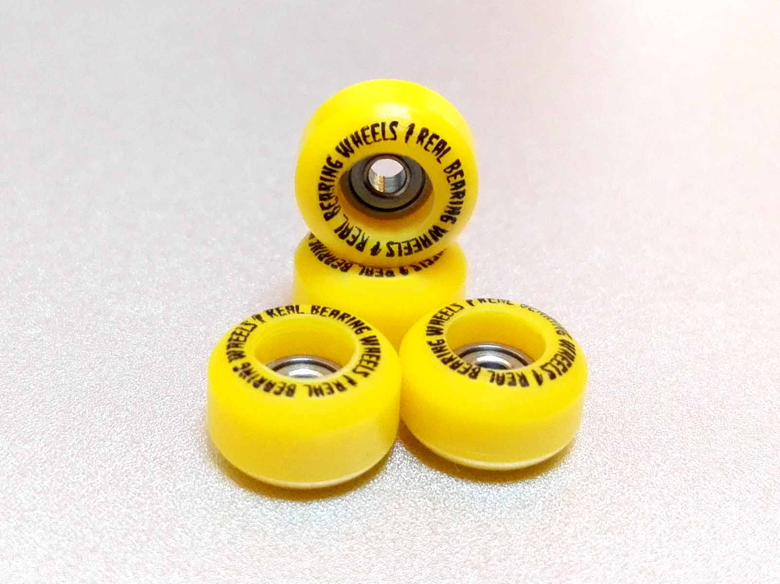 4 CNC PRINTED YELLOW BEARING WHEELS - 14,00 € ($ 15,20 USD)