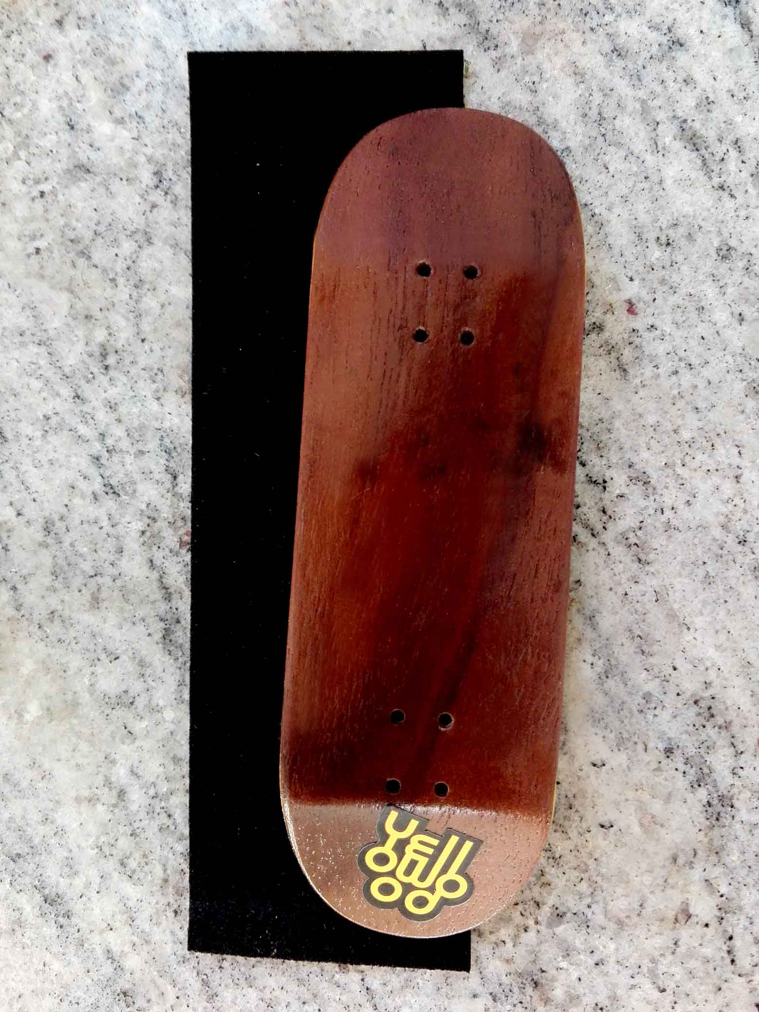 BOARD YELLOW WOOD MEDIUM CONCAVE 32MM x 102MM : 29,50 € ($ 34,00)