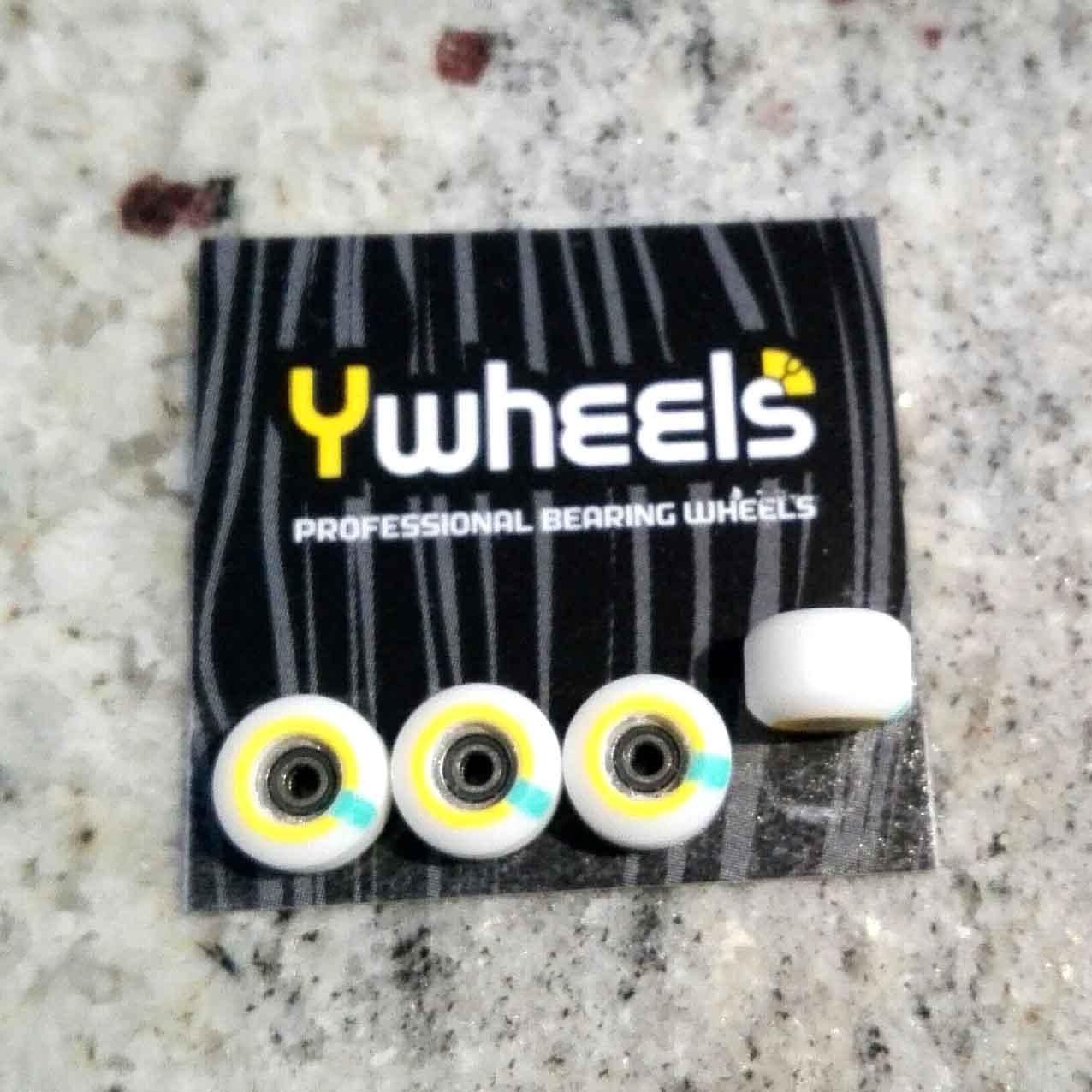 YWHEELS Y3 DUAL WHITE : 29,90 € ($ 34,20)